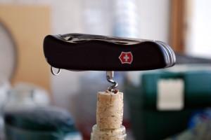 dsc_0258-Victorinox-Outrider-bottlescrew-300x200.jpg
