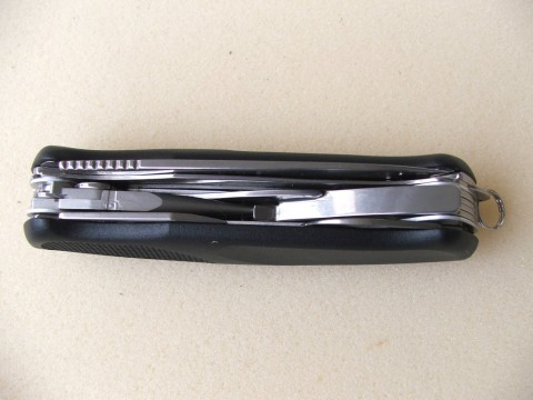 нож c пассатижами