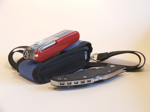 мобильник, швейцарский ножик, складной нож