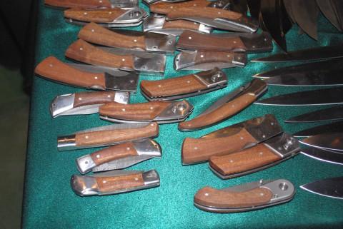 складные дамасковые ножи из Ворсмы