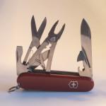 Тонкости выбора швейцарского ножа