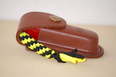 офицерский нож Викторинокс с чехлом и темляком