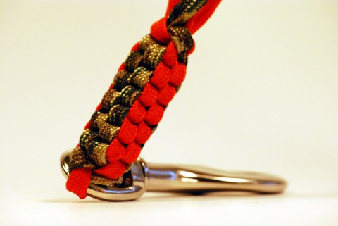 плетение из паракорда двух цветов