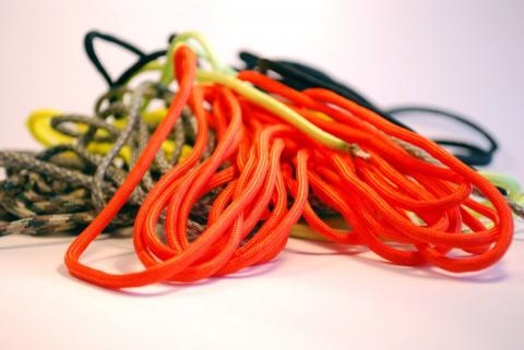 паракорд оранжевого цвета