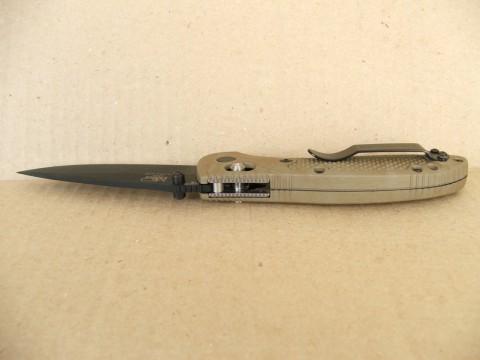 вид сверху на рукоятку и замок ножа Бенчмейд Гриптилиан