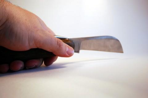 раскрытый клинок морского шлюпочного ножа
