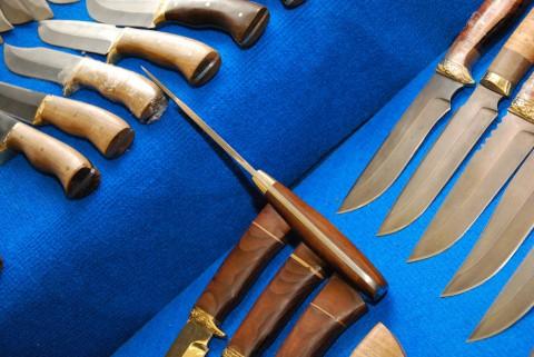 универсальный крепкий нож