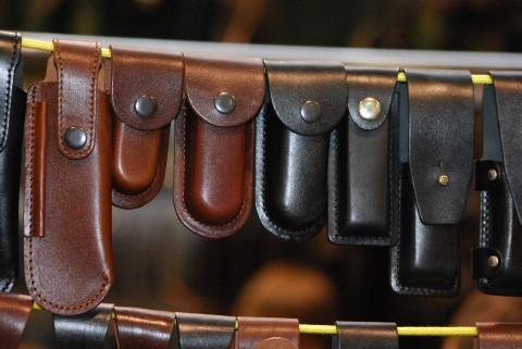 выставка кожаных чехлов