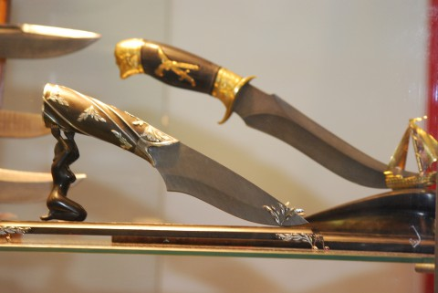 нож на подставке