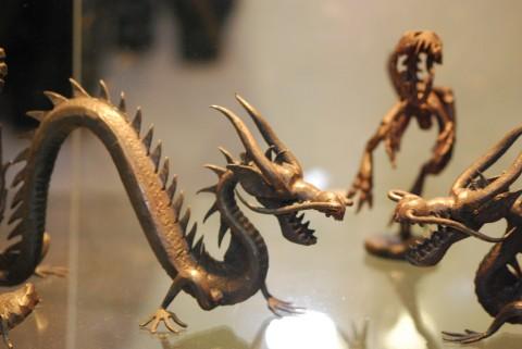кованые динозавры и драконы