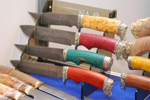 кованые дамасские клинки и русский шик на рукоятках
