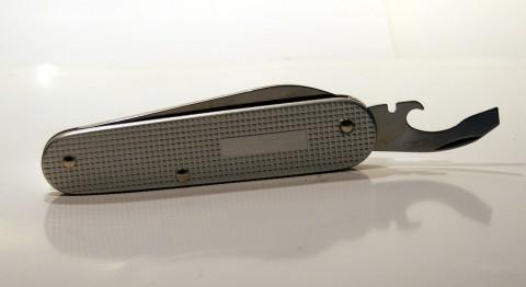 алюминиевый нож со стальными инструментами
