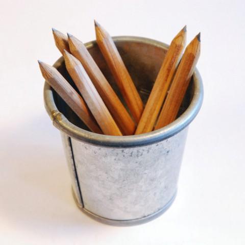 ведро карандашей