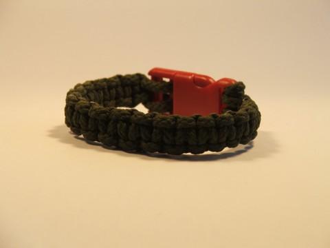 браслет из шнура с застежкой