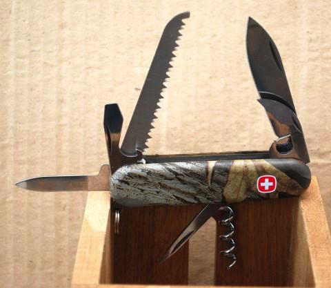 трехрядный нож туриста