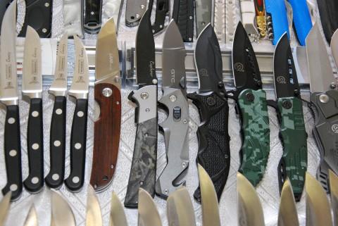 LAND среди других дешевых ножей
