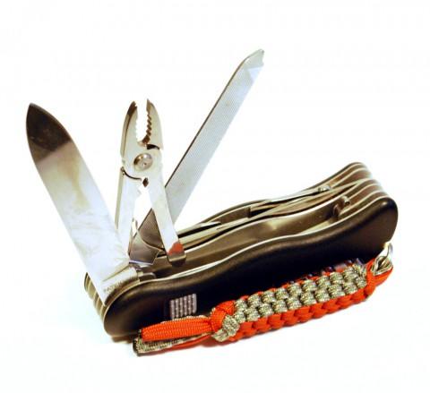 клинок, пассатижи и напильник-ножовка