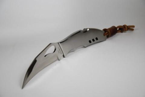 клинок керамбита, но рукоять обычного ножа