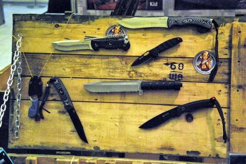 большой нож выживания