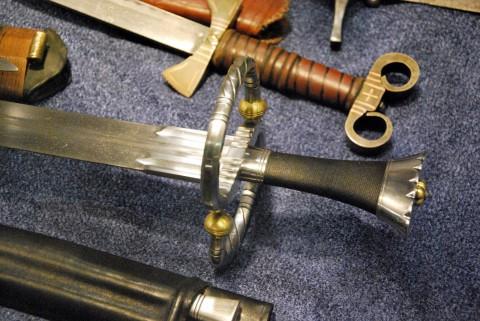 рукояти мечей