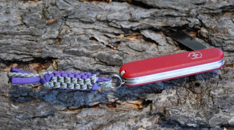 темляк из паракорда на ноже Викторинокс 84 мм