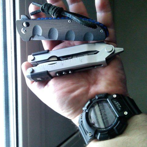 часы, мультитул, нож