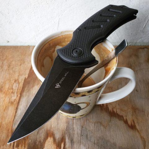нож и кофе